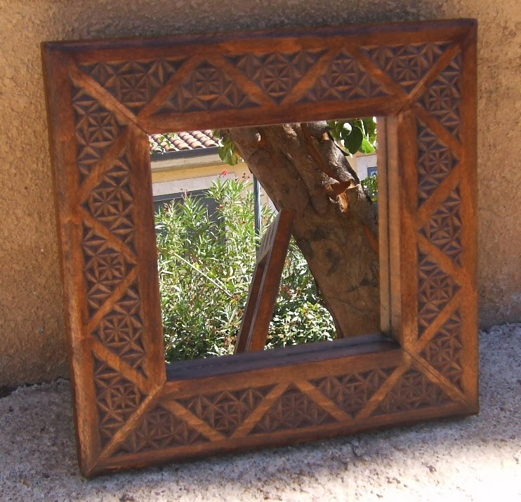 Decora tu casa muebles y piezas de madera para el recibidor for Espejos tallados