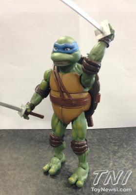 Playmates Teenage Mutant Ninja Turltles TMNT Classics Wave 3 - Movie Leonardo (preview picture)