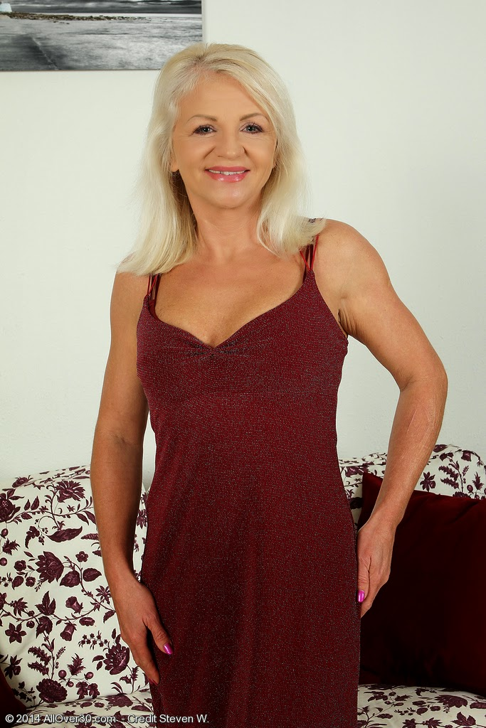 French milf amateur exhib: cougar mature milf world wide