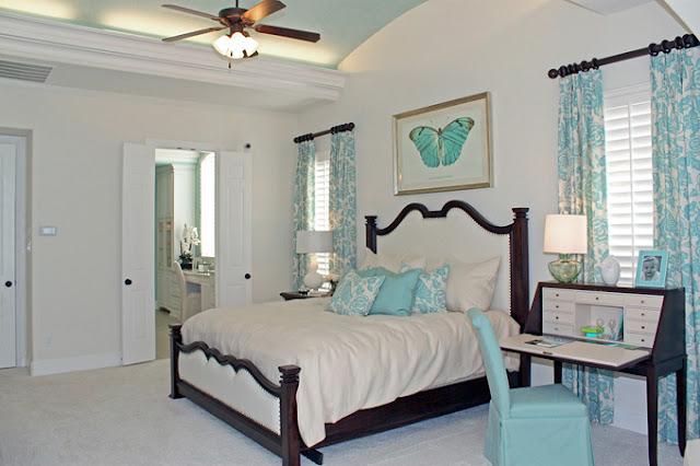 Decoracion de dormitorio en blanco y turquesa diseno de - Decoracion de dormitorios en blanco ...