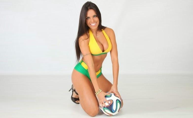 Carol Policano no Concurso Musa das Torcidas da Copa do Mundo