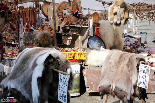 Bergen - stand de vente de fourrures...bouhhhh