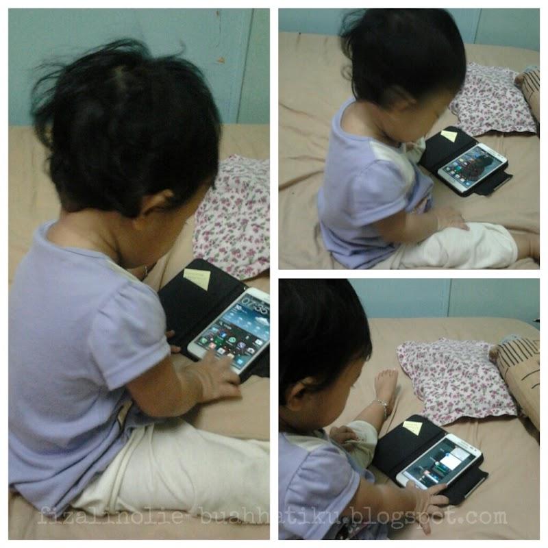 Berebut handphone dengan anak ¿?