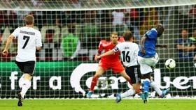 Mario-Balotelli-Jerman-vs-Italia-Euro 2012