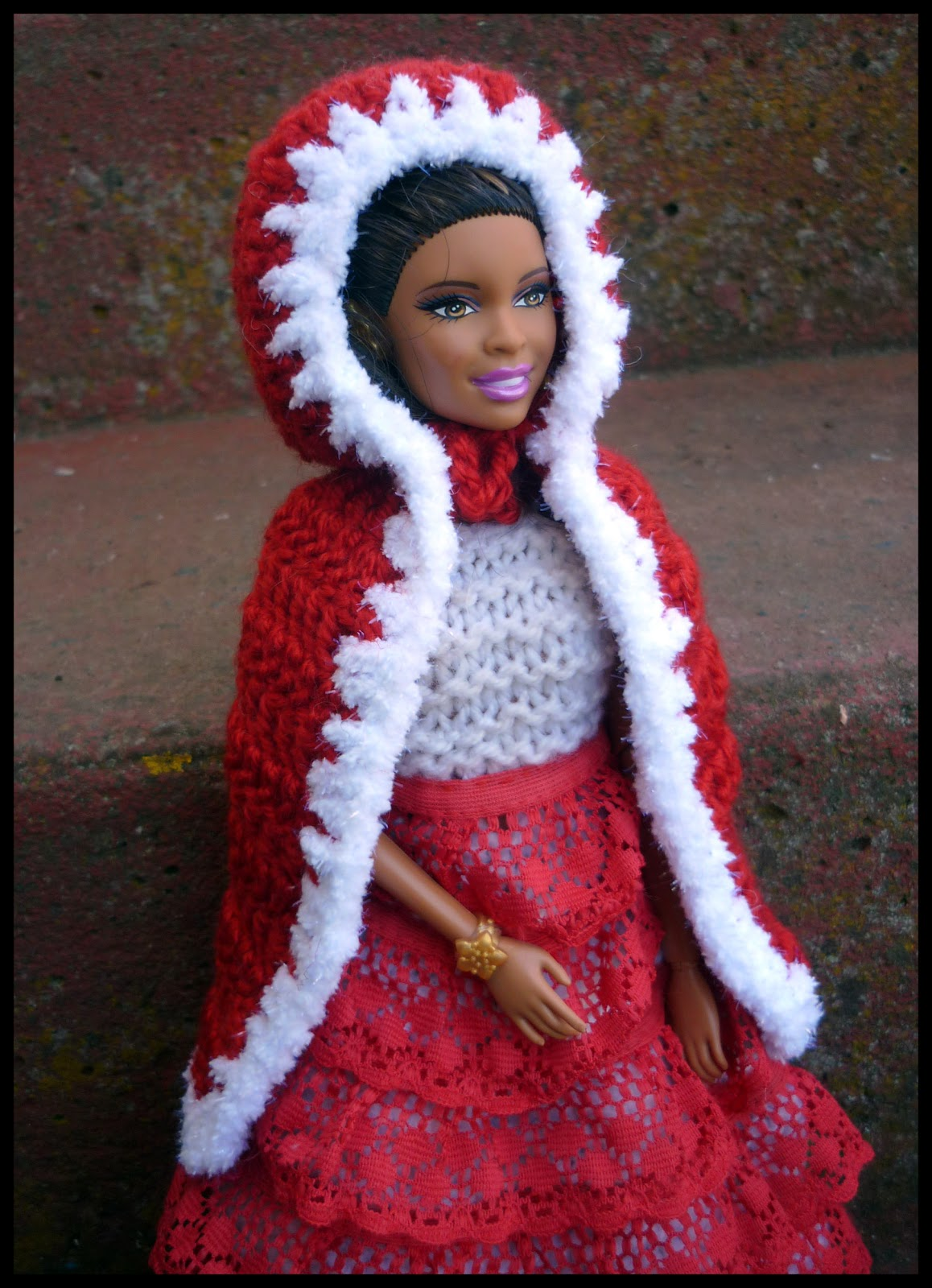 Mamma That Makes: Hooded Cape and Capelet for Barbie - Free Pattern
