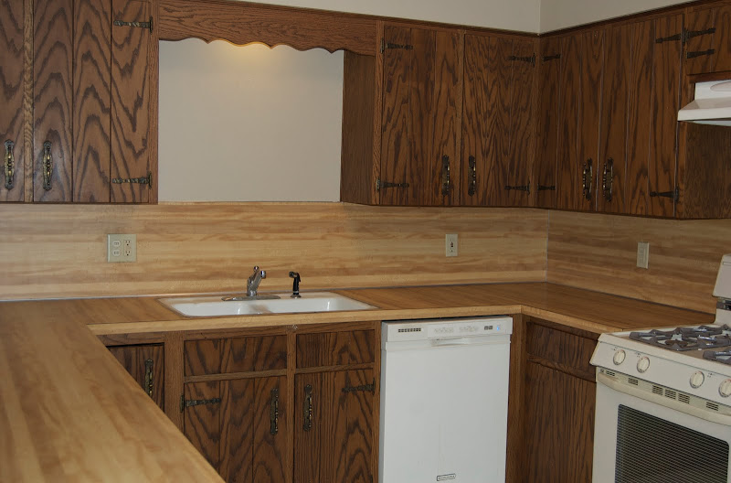 Rustoleum Countertop Paint Fumes : And if you recall, heres a before of the den before we painted the ...