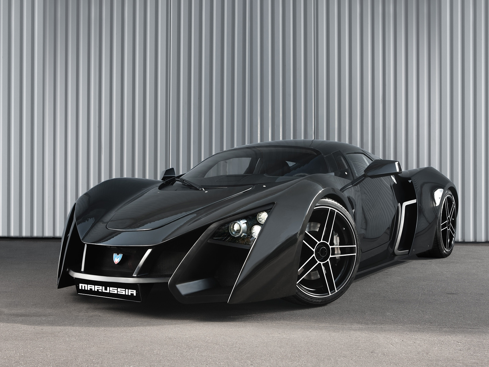 THE WORLDS FAMOUS CARS: MARUSSIA 5