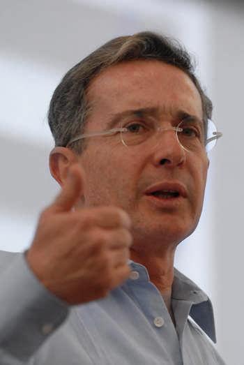 Álvaro Uribe Vélez | Copolitica.com