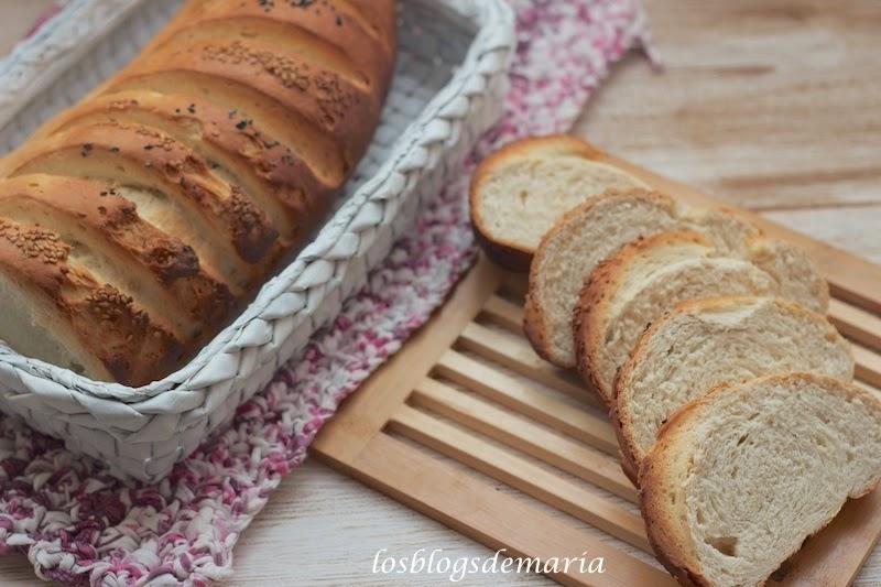 Pan blanco con sésamo, video receta asaltablogs