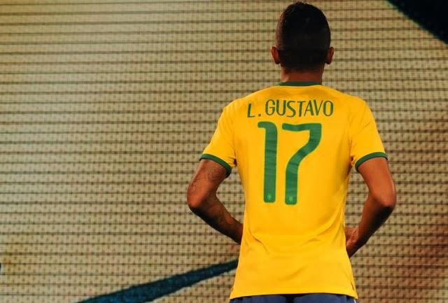 Camiseta oficial de Brasil para el Mundial 2014