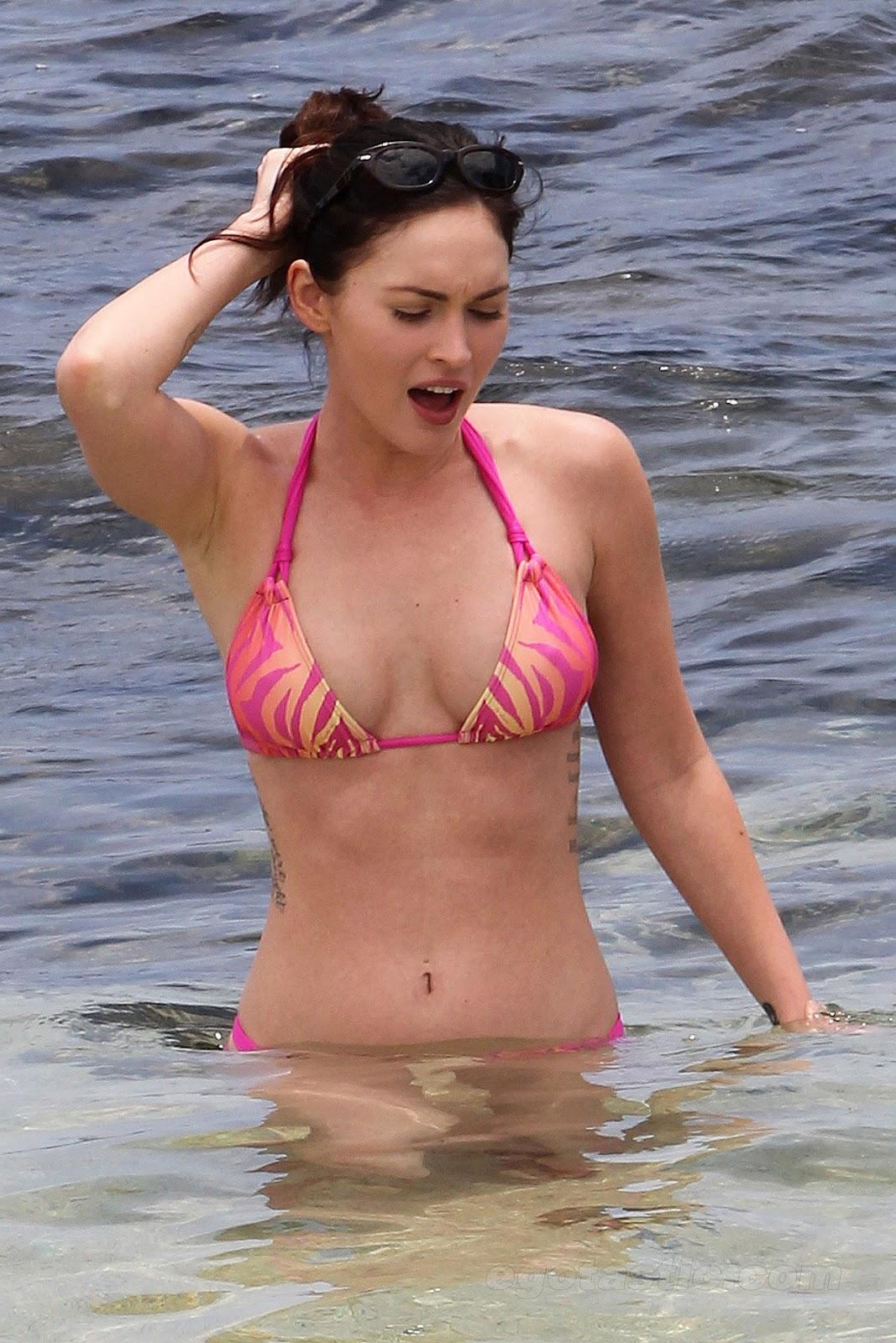 http://4.bp.blogspot.com/-4jPzGqgxXCs/T6vshrDY1xI/AAAAAAAAAB0/vfyGzeECPF0/s1600/done+megax+fox+in+bikini+.jpg