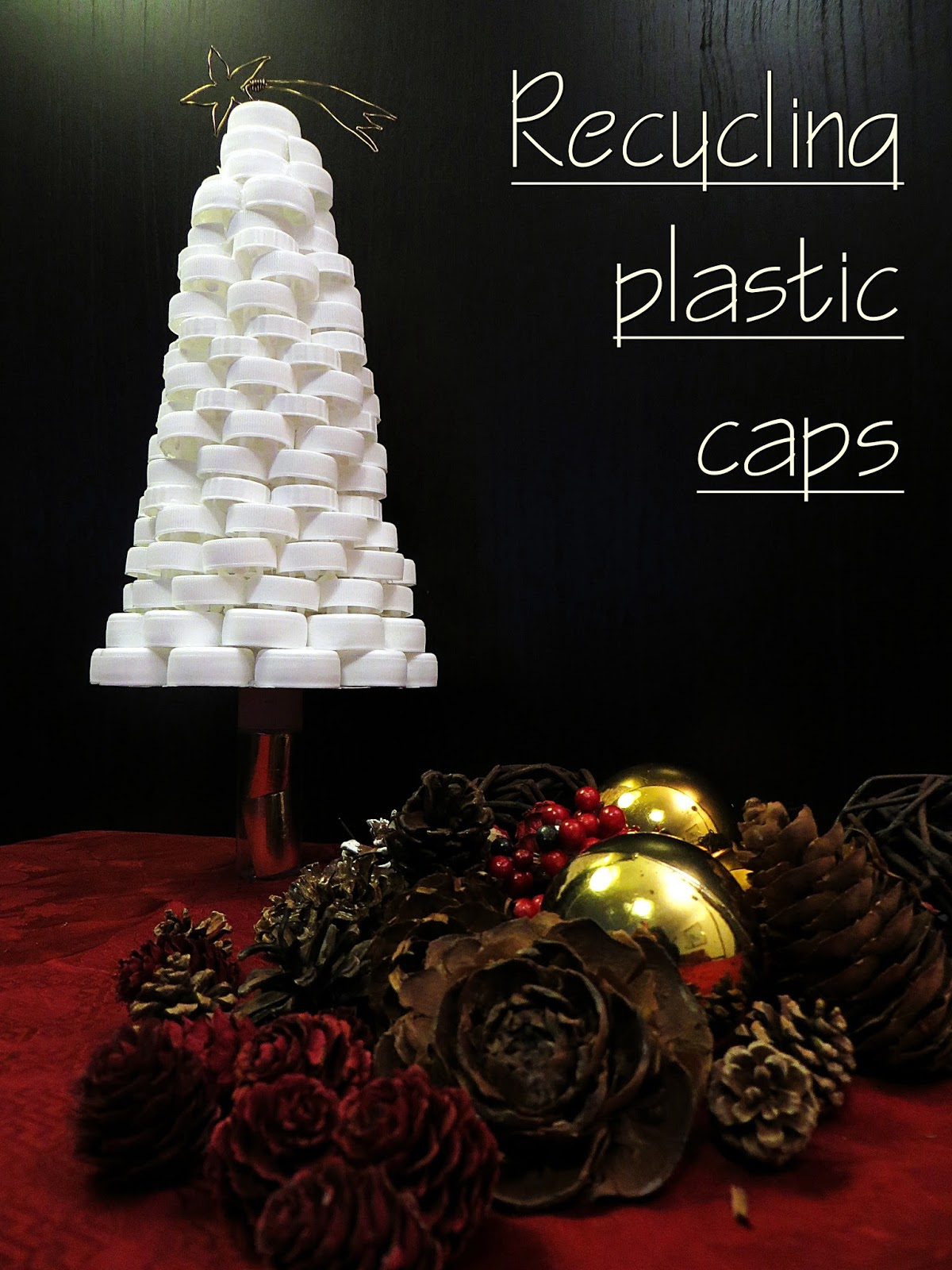 rbol de navidad hecho con tapones de plstico
