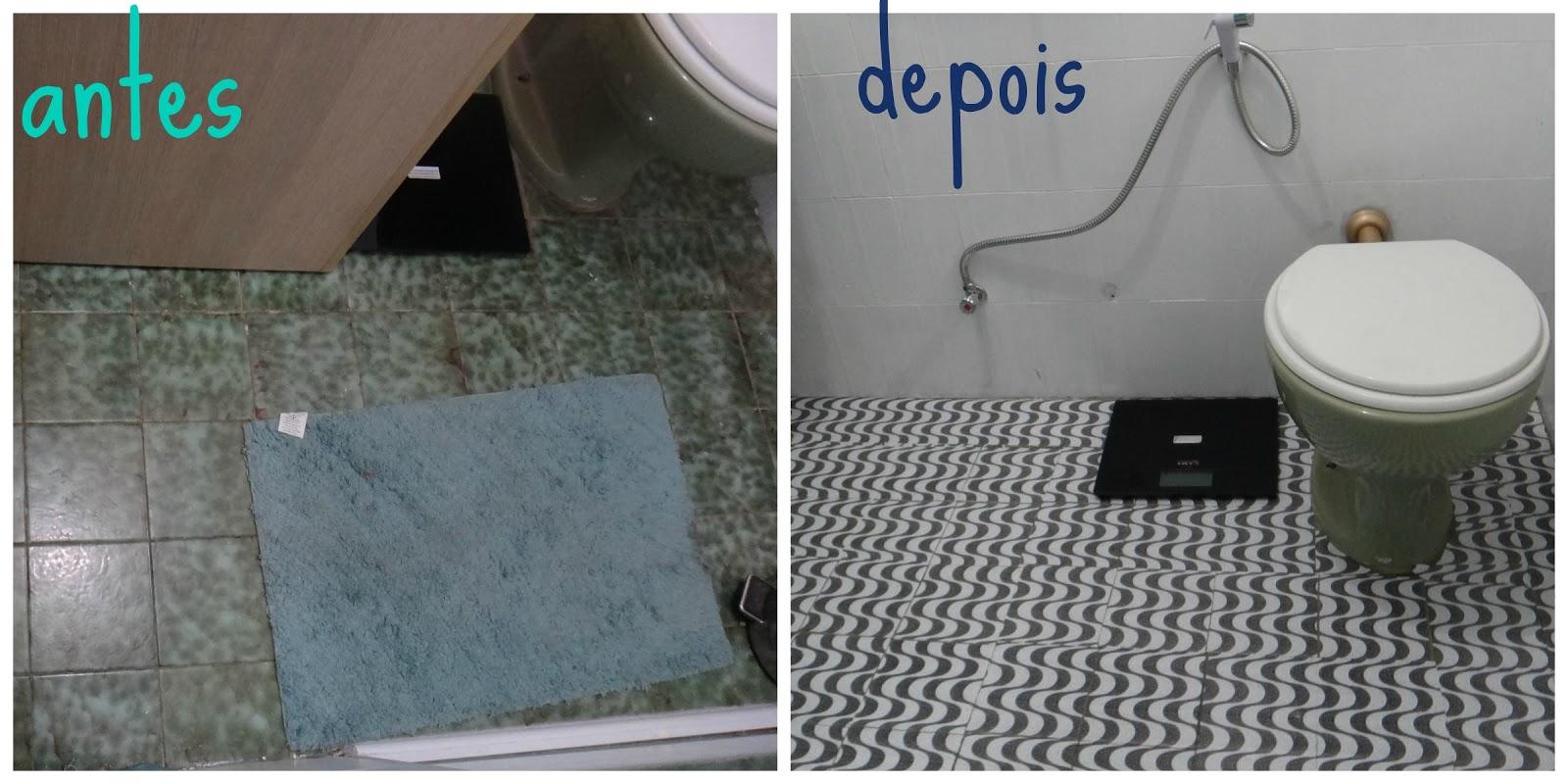 Fui cortando e colando para não perder o formato da estampa! #04C7B2 1600x800 Azulejo Vinilico Banheiro
