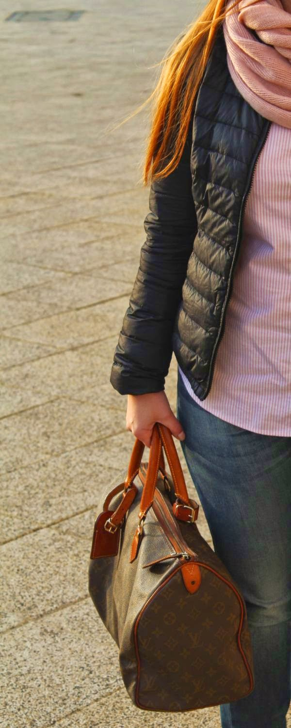 alburnumbybiel stylizacje, różowo czarna stylizacja, koszula ralph lauren, jeansy gucci, torba louis vuitton, jesienna stylizacja z puchowa kurtka i jeansami, gucci w stylizacji ubraniowej, ralph lauren w stylizacji uraniowej, jak sie brac na jesień, jesienne stylizacje, ubiór na jesienny spacer randkę impreze rodzinna,