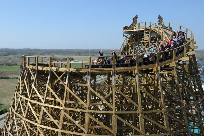 Pixpeedia The American Wooden Roller Coaster
