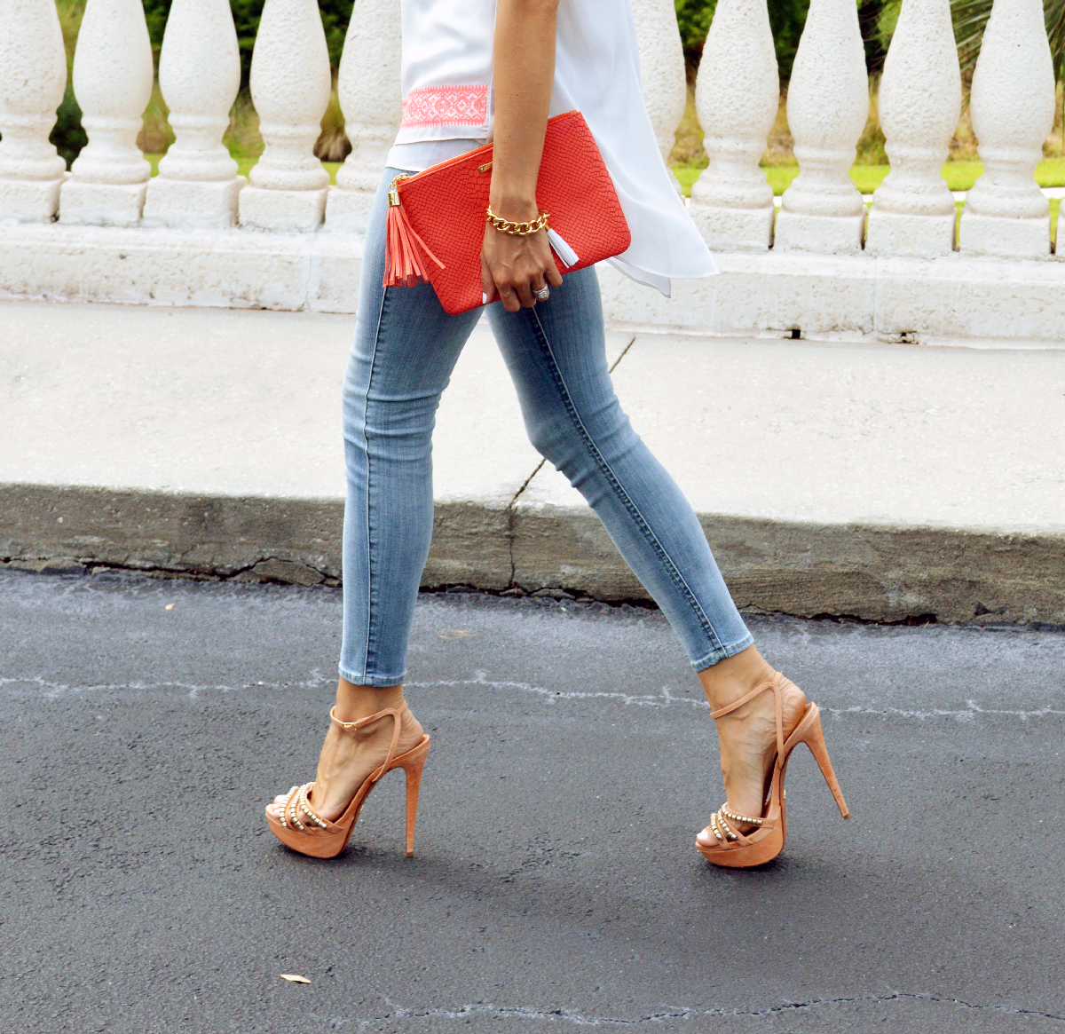 super fashionable blog, ananda saba, 7 for all mankind light wash jeans, fashion blog