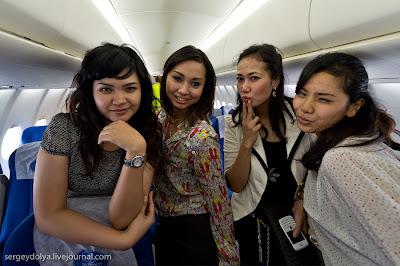 Wajah Pramugari Sukhoi Superjet 100 [ www.BlogApaAja.com ]