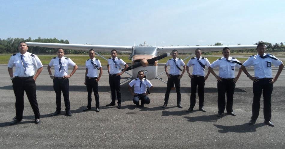 sekolah pilot penerbangan terbaik syarat masuk sekolah pilot