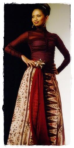 Gaun batik wanita