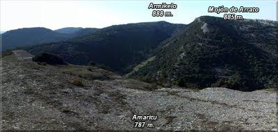 Vistas de Armikelo y Mojón de Arrato desde la cima de Amaritu