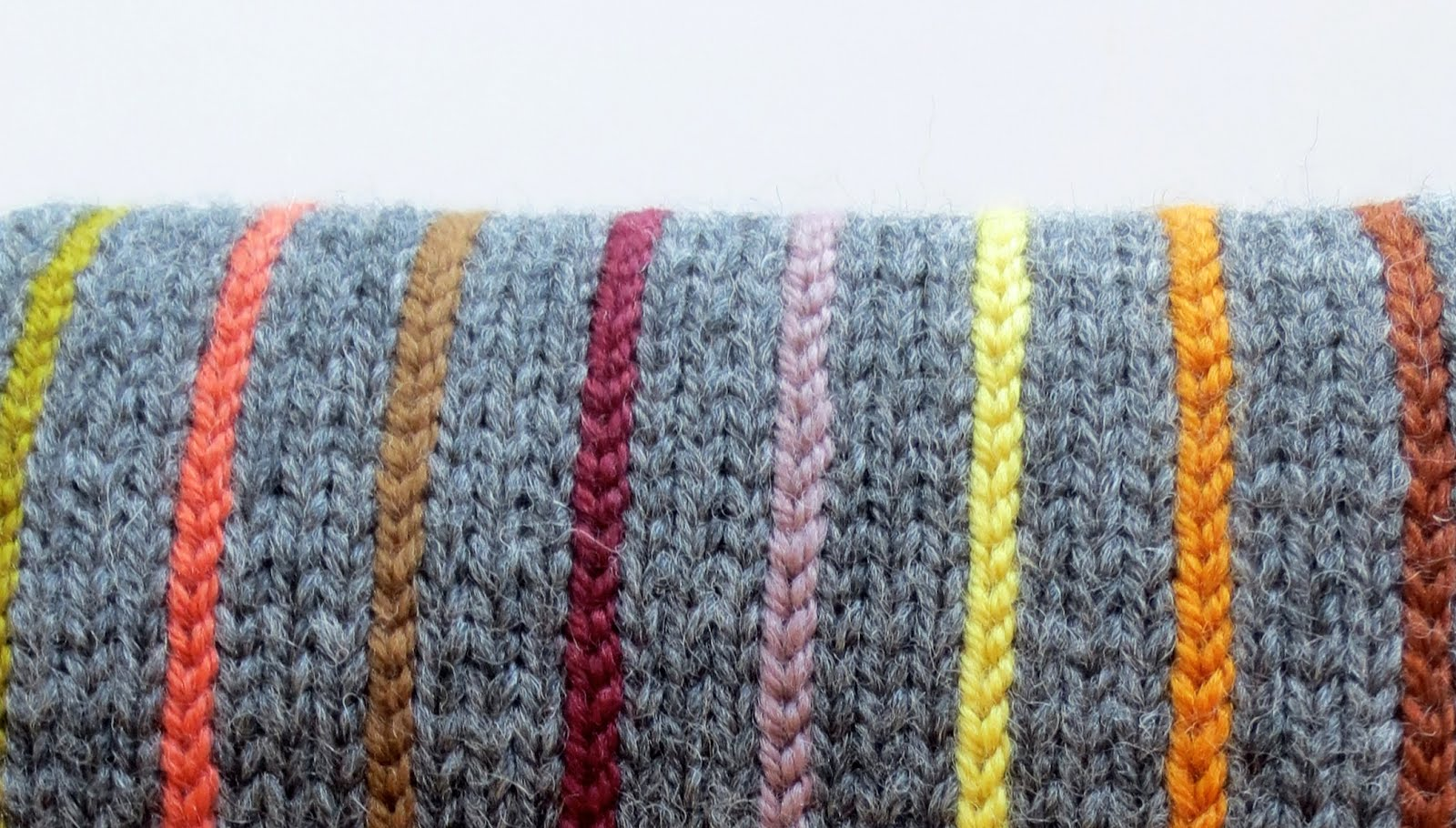 TECHknitting: Pinstriping: vertical columns of color, added after ...