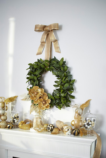 Gold Christmas mantel display | CANVAS Christmas Collection | RamblingRenovators.ca