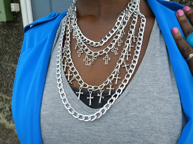 COLLARES AATY