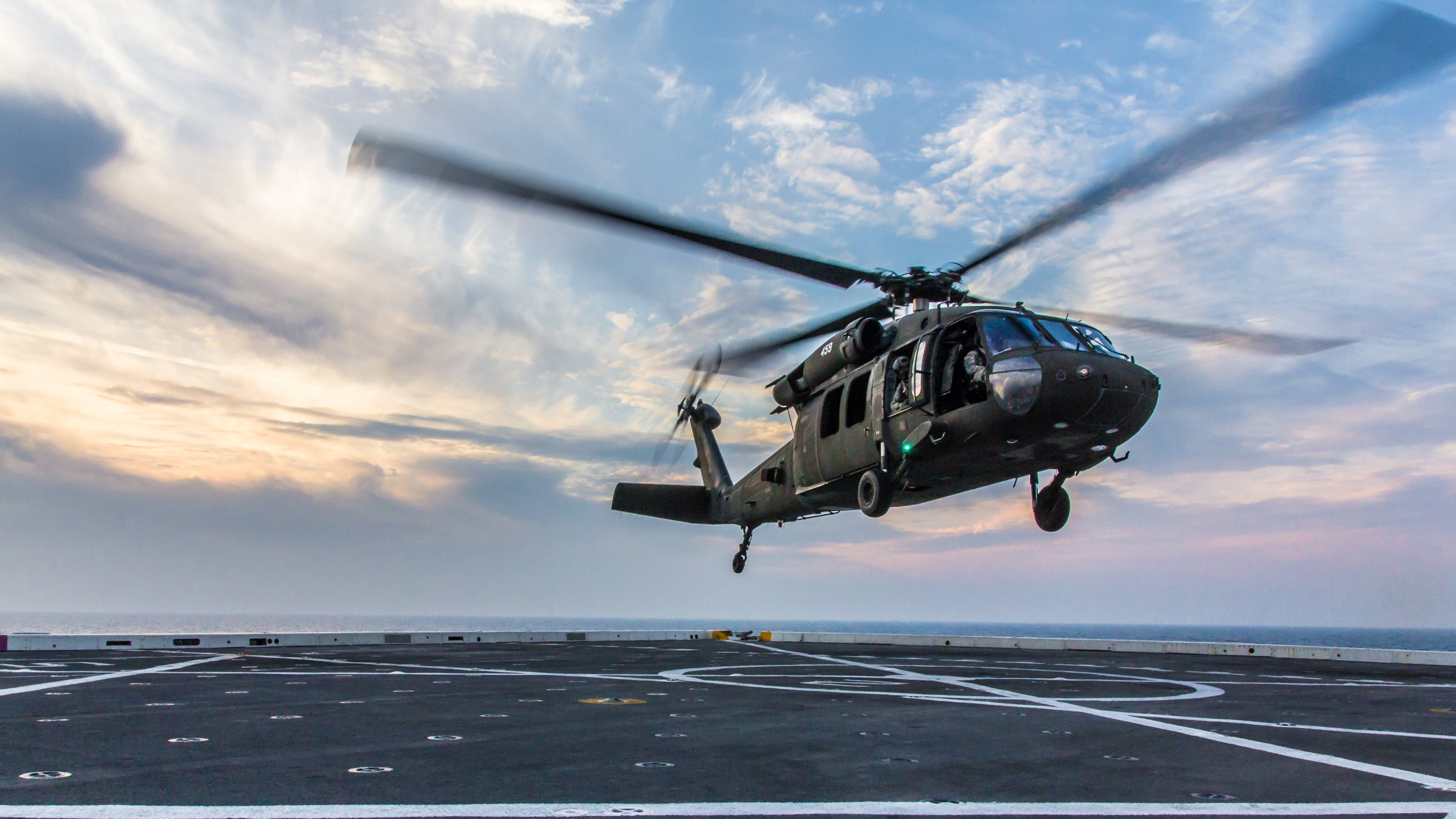 blackhawk helicopter wallpapers hd wallpapers
