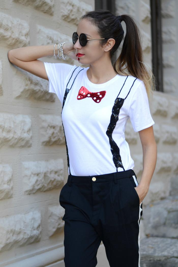 maglietta con bretelle