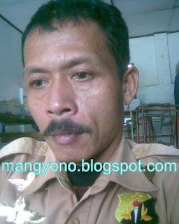 Ini photo asli Mang Ato ( Guru SMP dan SMK  Pagaden Barat)