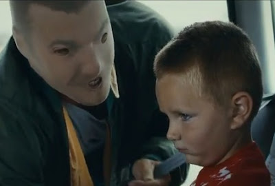 niños ven como monstruos a sus padres que consumen alcohol
