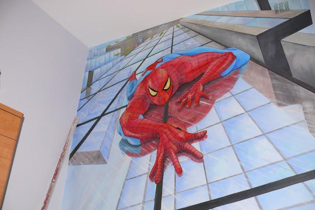 Malowanie ściany w pokoju chłopca, motyw SpiderMana - Warszawa