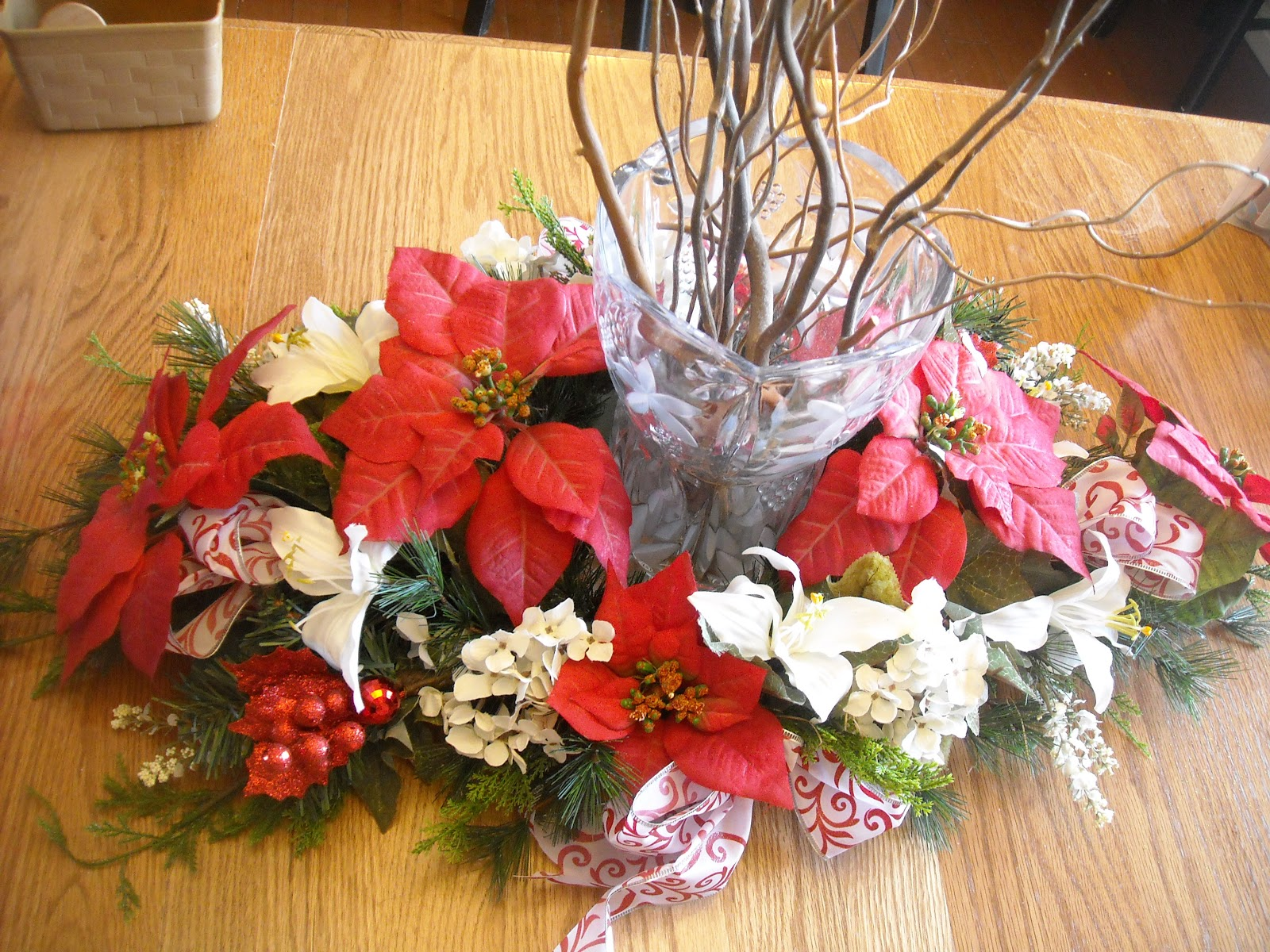 Becky 39 S Blossoms Christmas Table Centerpiece