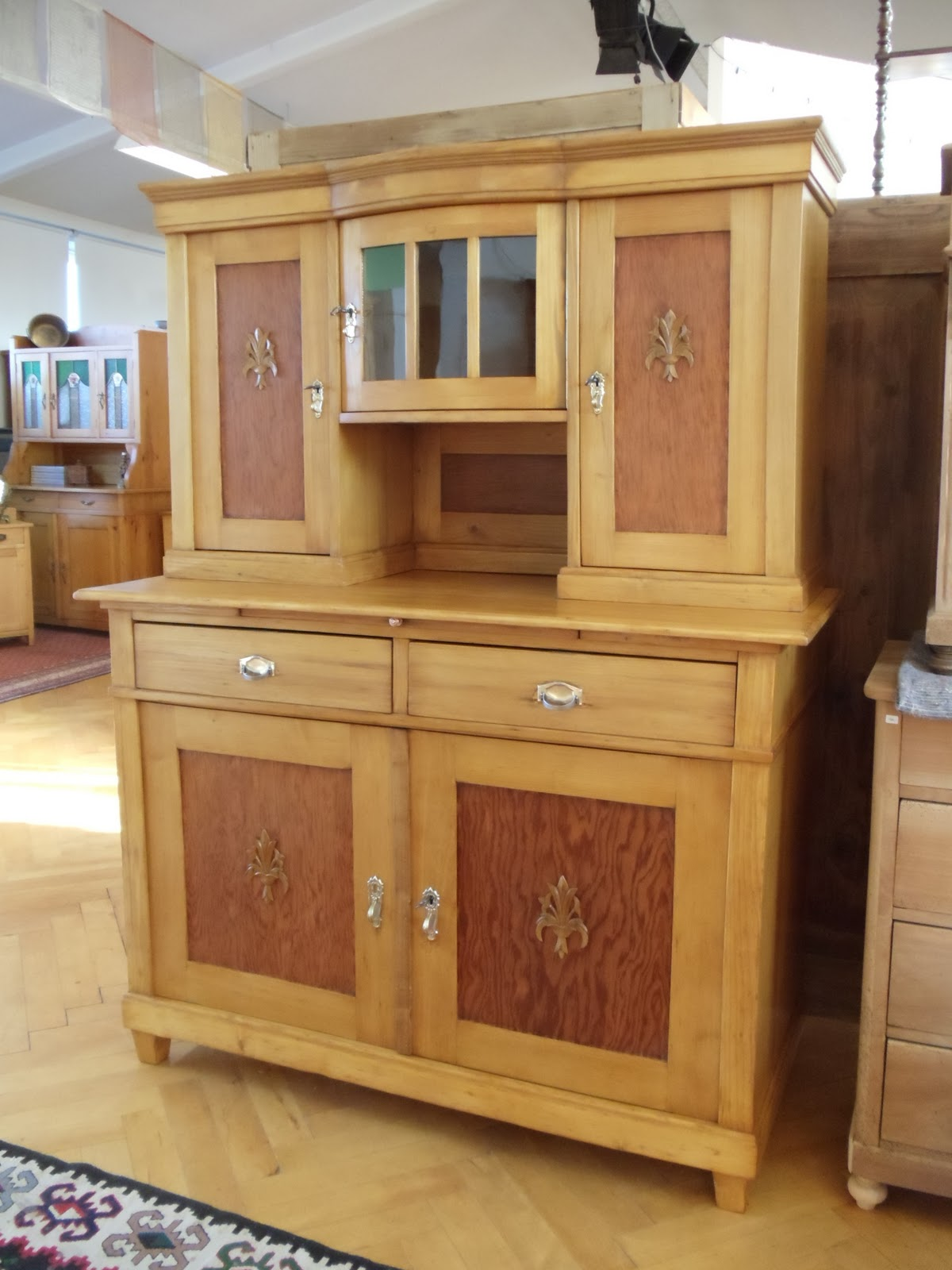 antike m bel k chenschrank um 1900. Black Bedroom Furniture Sets. Home Design Ideas