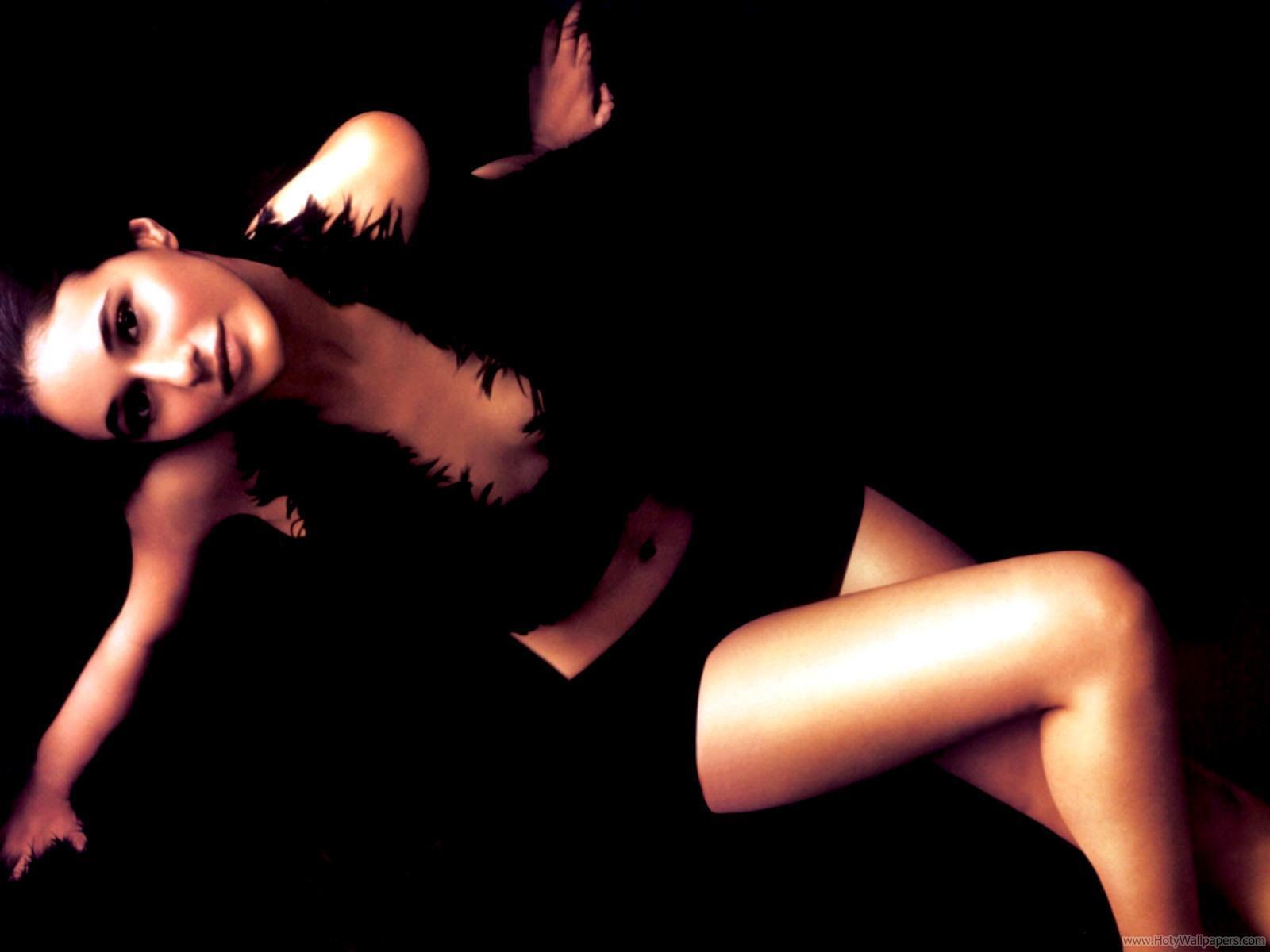 http://4.bp.blogspot.com/-4mvuB5IxngA/Tt96RH6-SxI/AAAAAAAACgY/WUvEhLP8S0U/s1600/emmanuelle_chriqui_hq_wallpaper.jpg