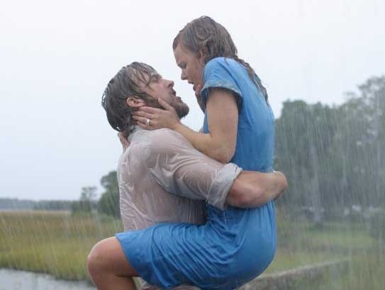 sexiest women in the sexiest movie scenes ever Rachel McAdams in The Notebook