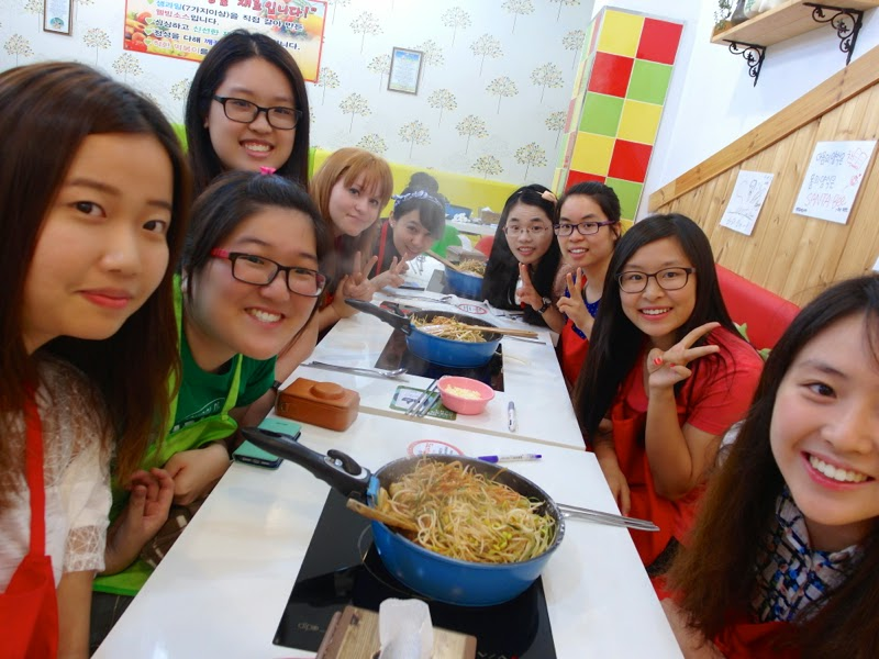Ewha University Summer Studies Travel Seoul Edae lunarrive singapore Santabee Naembi Ddeokbokki