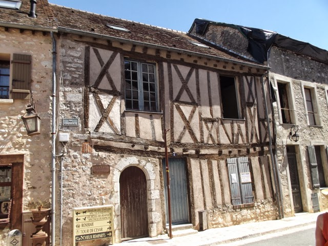 Provins medieval building