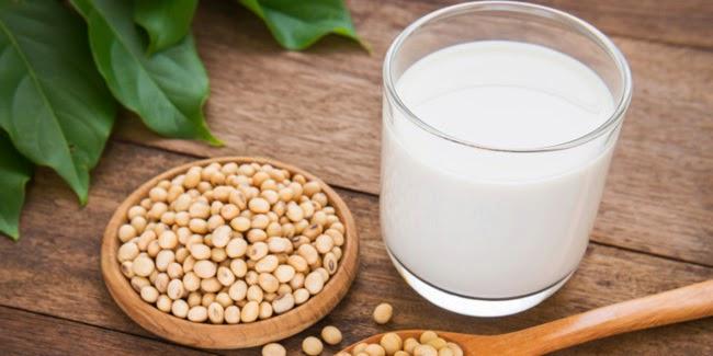 Kesehatan : Keuntungan Minum Susu Kedelai