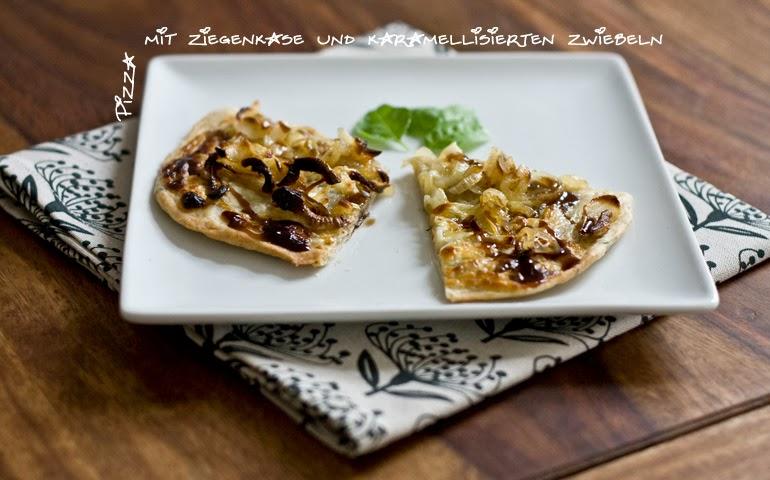 Pizza mit Ziegenkäse und karamellisierten Zwiebeln