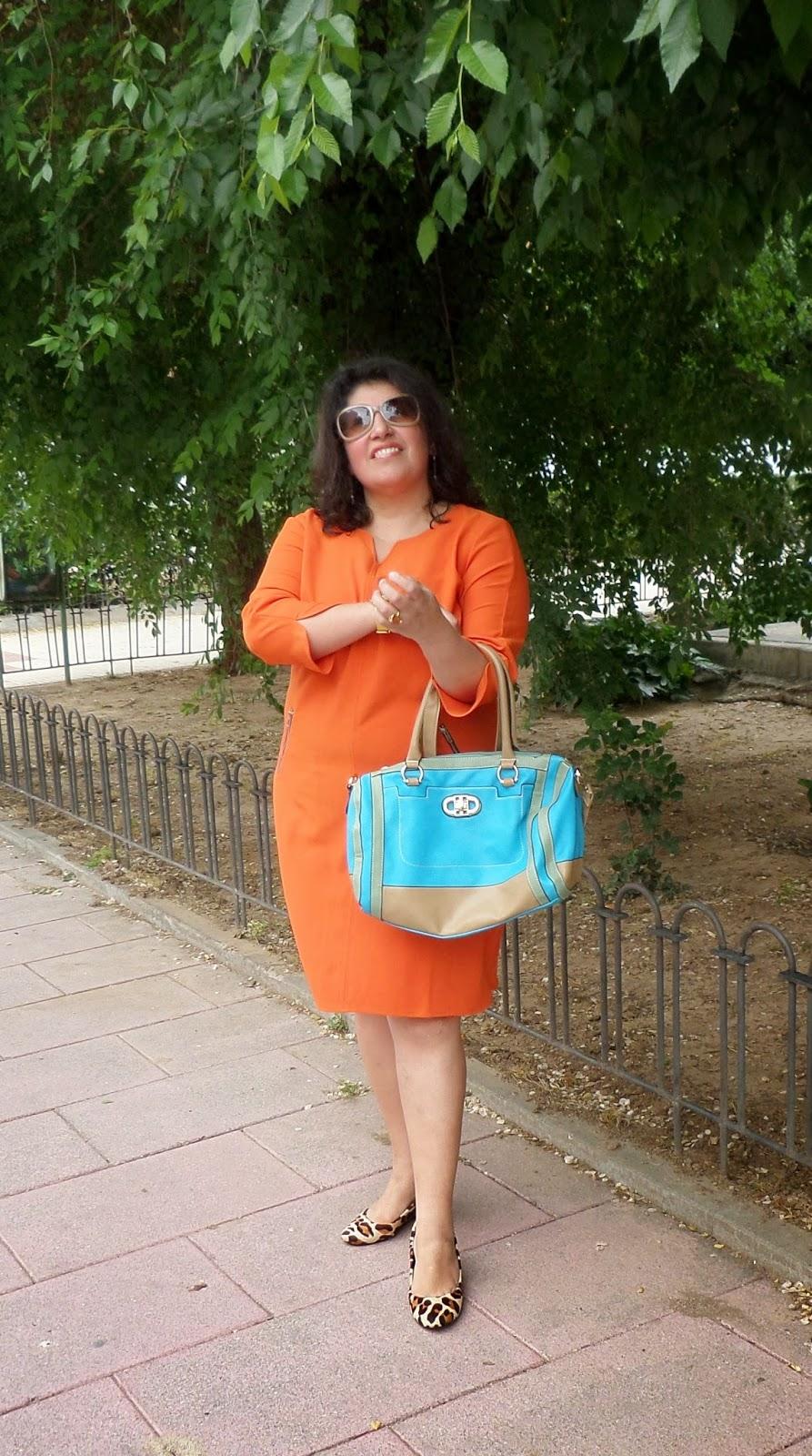 como llevar un vestido naranja