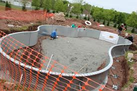 Replacement of pool base using vermiculite rich vermiculite minerals and applications for Vermiculite swimming pool base