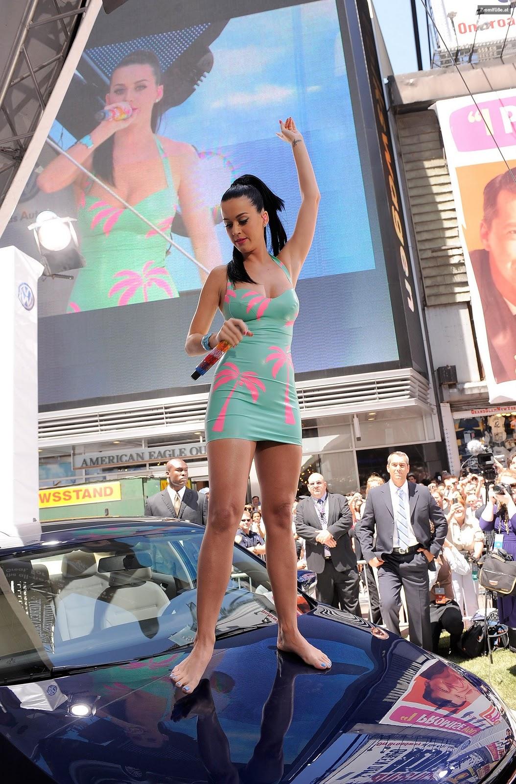 Car Show Orlando >> Katy Perry Legs and Feet