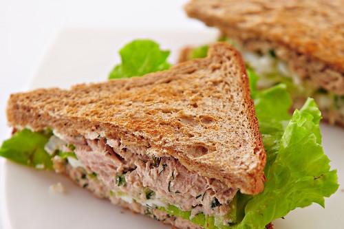сэндвич с тунцом рецепт с фото пошагово
