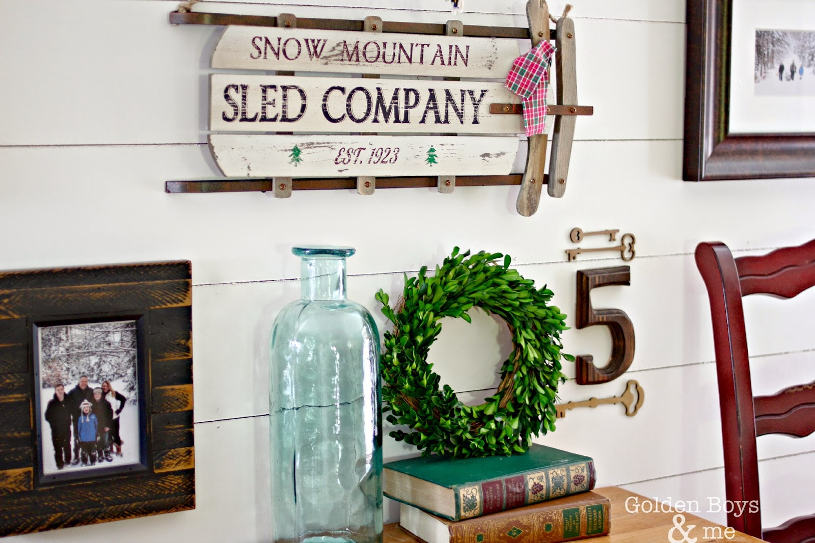 Winter gallery wall with preserved boxwood-www.goldenboysandme.com