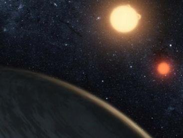 Planeta que orbita dos estrellas