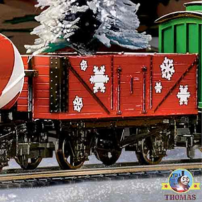 Winter Holiday special model railway Bachmann Thomas the tank engine green lovely little Xmas tree