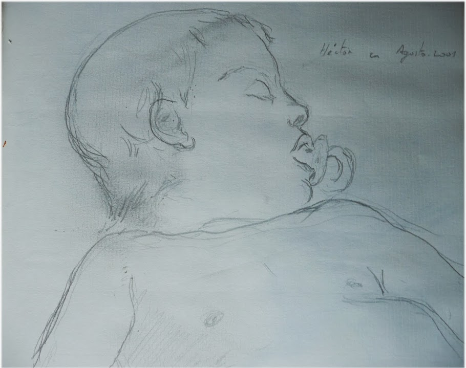 Héctor duerme con dos años