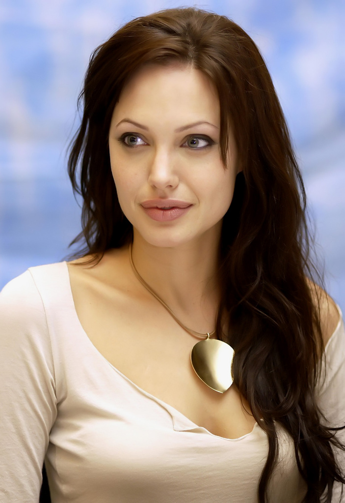 Awesome Wallpapers  Interesting Facts About Angelina Jolie