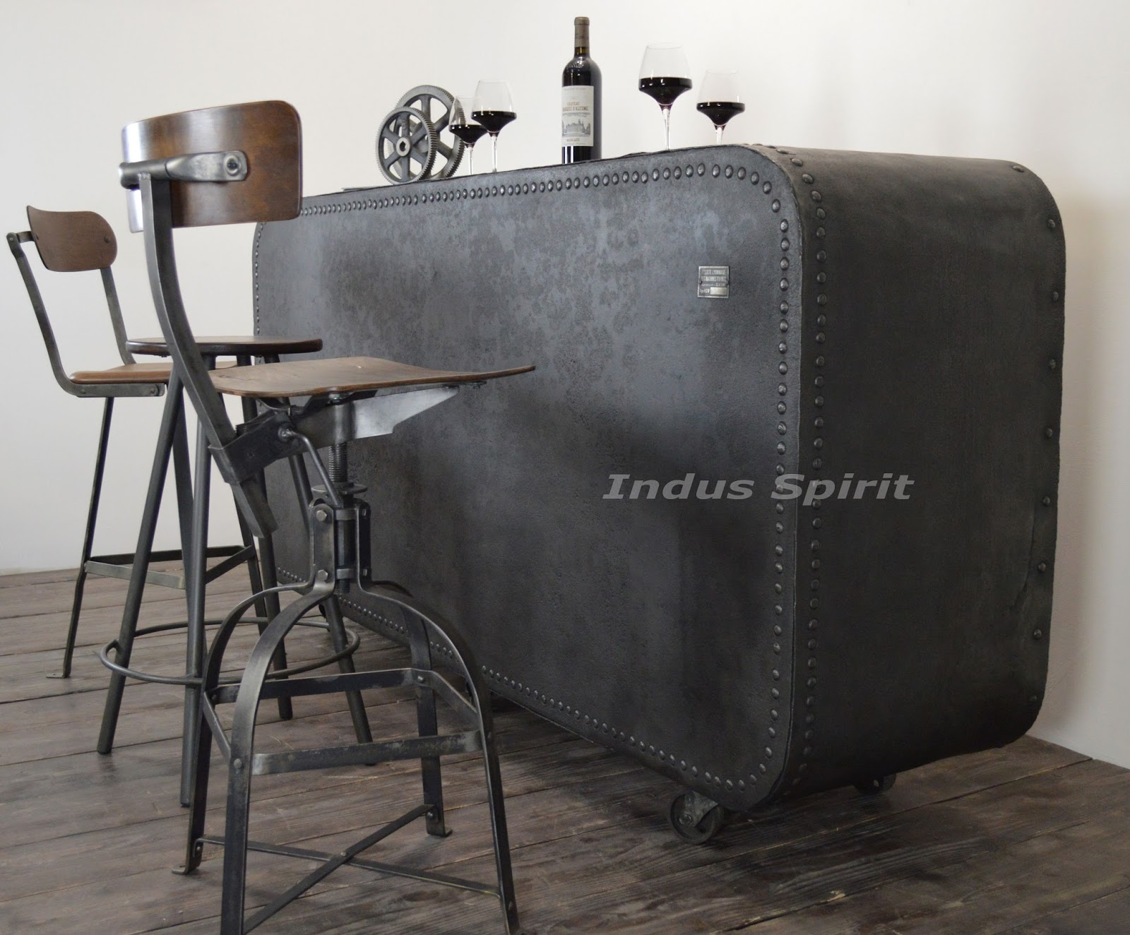 bar design industriel. Black Bedroom Furniture Sets. Home Design Ideas